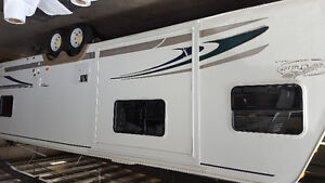 2007 30ft  trail cruiser price reduced really need gone