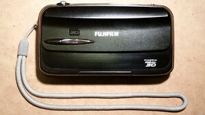 Fujifilm Finepix W3 Real 3D camera with lots of extras
