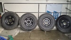 4 -265 75 R16 M&S Ford Rims & Tires For Sale