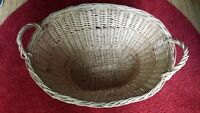 WICKER LAUNDRY BASKET WITH HANDLES