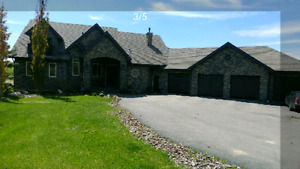 House on 2,5 acres. 15 minutes from Sherwood park
