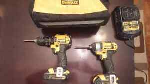 Dewalt impact driver/drill set with 2 batteries and charger