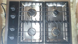 Gas stove top by Amana