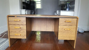 Wooden Desk, Great Condition