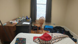1 Bedroom for rent on 555 Waterloo St for May 1st