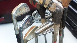 GOLF CLUBS AND CARRY BAG Stratford Kitchener Area image 5