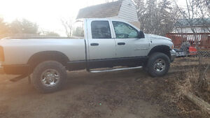 2004 Dodge Power Ram 2500 Pickup Truck