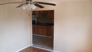 very nice apartment for rent on walkerville area $600 plus hydro Windsor Region Ontario image 2