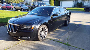* * 2013 Chrysler 300 - 300S - Fully Loaded! - PRICE REDUCED **