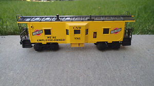 LIONEL Chicago & North Western Bay Window Caboose 9361 - 1970