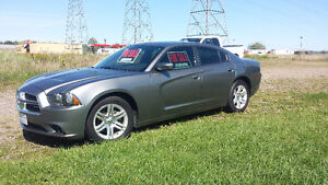 2011 Dodge Charger MINT CONDITION