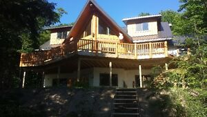 Executive Log cottage on Deer lake Muskoka area,SLEEPS 19