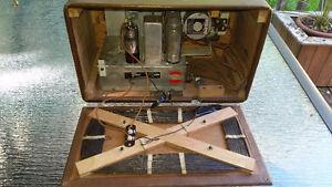 Antique Vintage Westinghouse B-461A tube-type battery radio London Ontario image 7