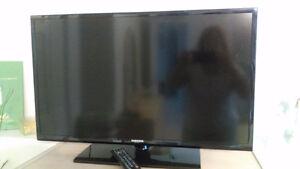 Samsung 32 inch flat screen TV