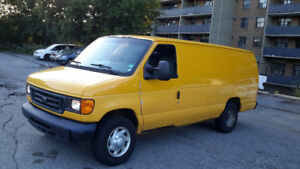 2007 Ford Econoline (Extended body)