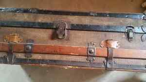 Antique luggage   chest Kitchener / Waterloo Kitchener Area image 2