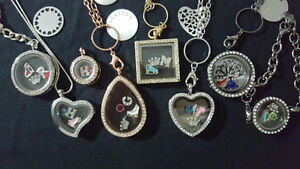 66 Floating Lockets, 44 inserts & 675 charms - $ 650.00 !!