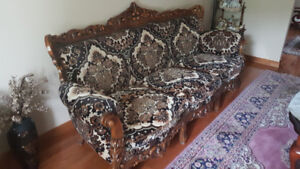 Antique Sofa Set, 1x three seat sofa and 4x single seat chairs