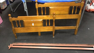 Twin Maple Villas Bed frame with rails