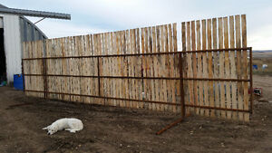 31 FEET FREE STANDING WINDBRAKE PANELS Moose Jaw Regina Area image 2