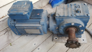AC 3 phase 230 V electric Motor with gear reduction and VFD