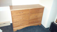 Sturdy wood dresser, 6 drawers, great condition
