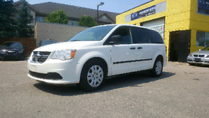 Clean title !! saftied 2013 Grand caravan