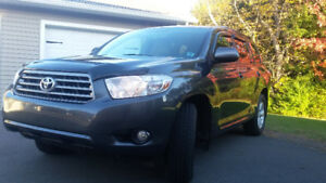 2010 Toyota Highlander LE, Leather, AWD, V6
