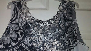 Pretty Woman Lace back tank top size m Regina Regina Area image 4