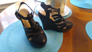 Size 8 wedge heel shoes $15 new never worn