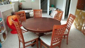 Cherry Wood dining table + 6 chairs