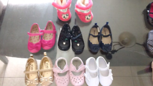 6 pairs of size 4,5&6 toddler shoes plus slippers