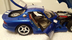 DODGE VIPER GTS COUPE 1:18 DIECAST CAR