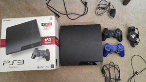 Playstation 3 160GB+2 Controllers+Extras