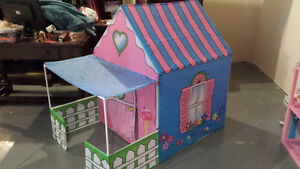 Lil Cottage Play Tent