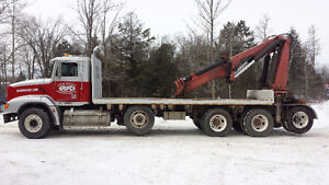 2000 Freightliner Heavy Lift Knuckle Boom For Sale