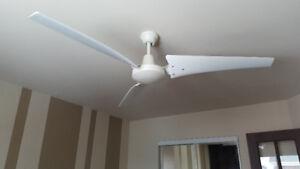 Ventilateur de plafond avec gradateur / ceilling fan w/dimmer