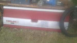 Chevy Square Body Tailgates