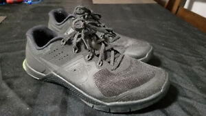 Nike Metcon 2 Shoes - Size 8.5