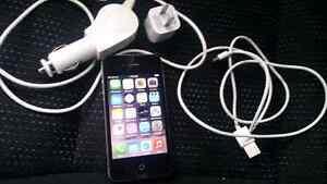 Black iPhone 4s 16gb ( Bell )
