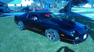 IROC Z.    5 SPEED.     TRADES. OR   OFFERS