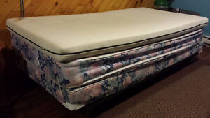 Sing bed - moving sale need gone ASAP!