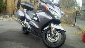 MotorcycleRentalToronto-Rent a Sport Touring Motorcycle 125$/Day