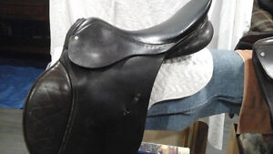 Griffith English jumping saddle