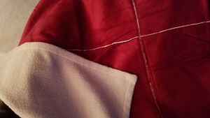 Lightweight Red / Faux suede/ sherpa Throws..new in pkg 50x60