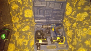 MASTERCRAFT 18 VOLT DRILL WITH CHARGER AND CASE