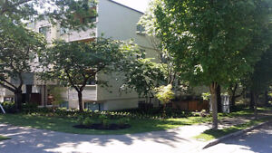 $1850 -one bedroom -1925 Woodland Drive Pet Friendly