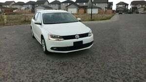 LIKE NEW  2014 VW JETTA