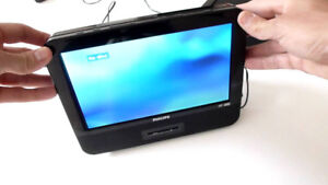 """Philips 9""""LCD Screen Portable DVD Player"""