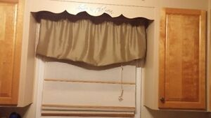 8 beige pull up blinds